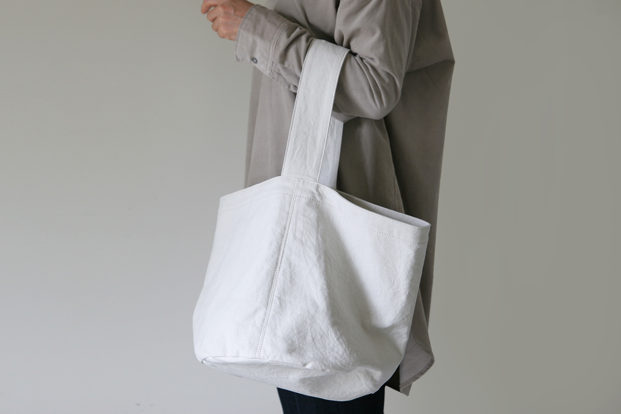 DAIRY TOTE / new color